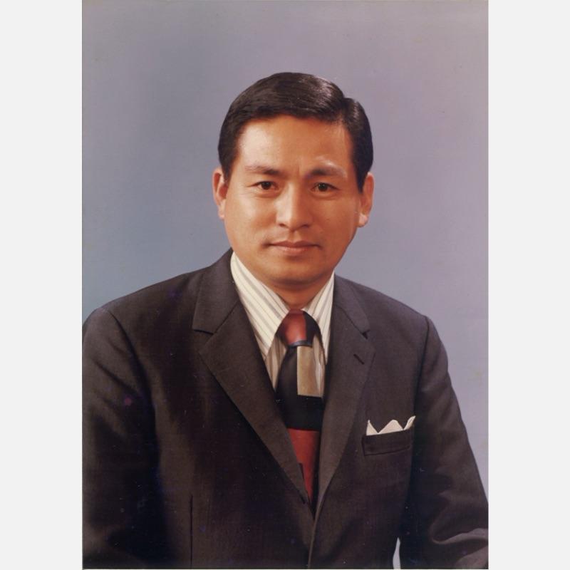 代表取締役に就任した宅島壽雄(現会長)